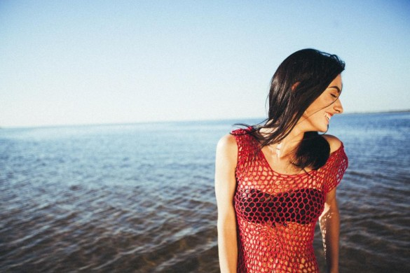 10 Questions Every LDR Gf Secretly Asks Herself