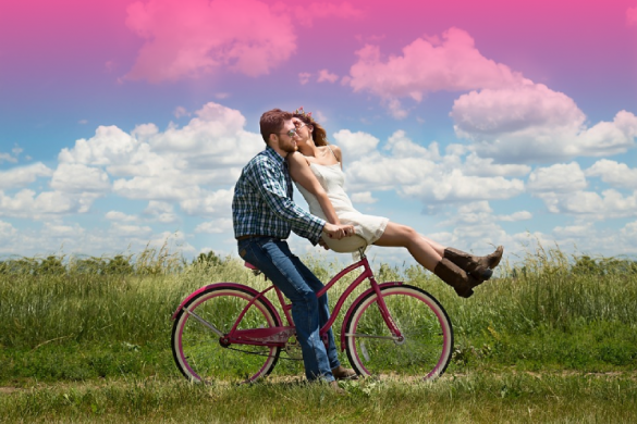 10-simple-things-long-distance-couples-that-stay-together-do-everyday_feat